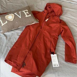 Lululemon rain rebel jacket 8